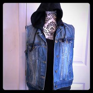 50% Forever 21 faux fur hooded blue Jean vest sz M